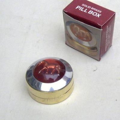 BR1156 - Brass Pillbox Horse, Acrylic
