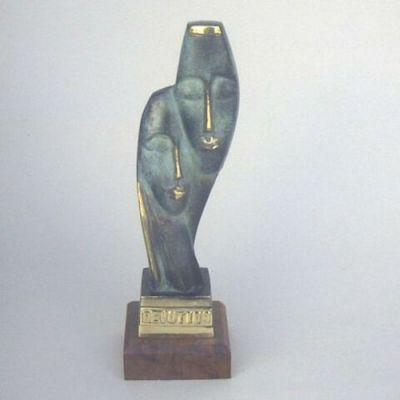 BR5082 - Brass Devotion Statue, Wooden Base