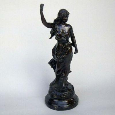 BRZ5013 - Bronze Statue