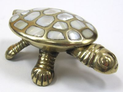 BR23073 - Brass & Mother of Pearl Turtle Box